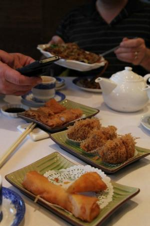Grand Dynasty Seafood Restaurant: laden table