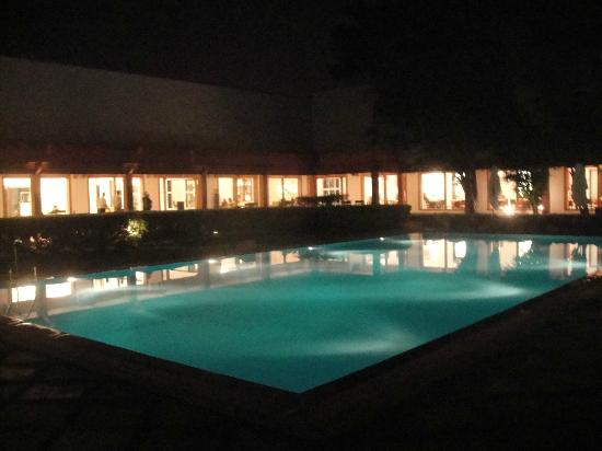 Trident, Agra: Pool at Night