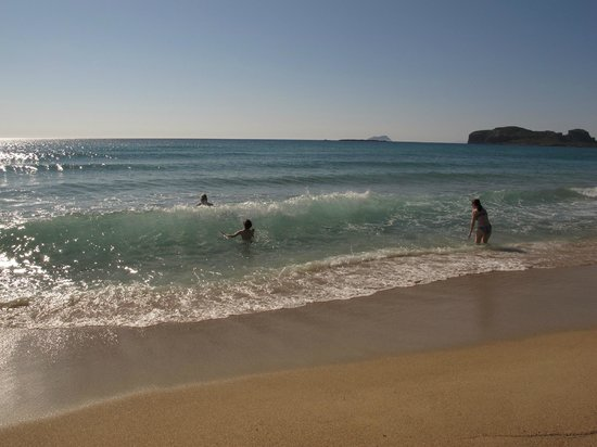 Falassarna beach: golden sand, crystal water