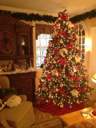 The Campbell House: Xmas tree in the great room