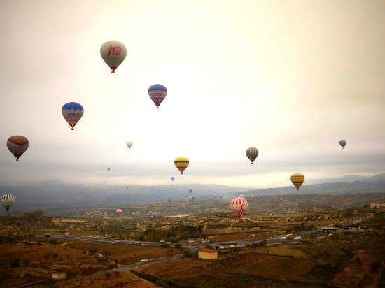 フライト証明書が配られます - Picture of Goreme Balloons, Urgup ...