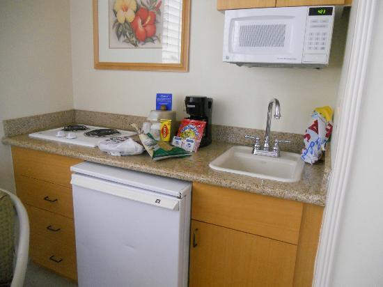OHANA Waikiki East Hotel: kitchenette not like pictures on website