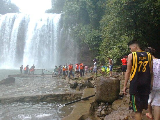 Tinuy-an Falls: After kissing the falls...