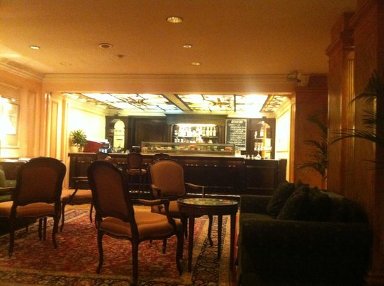 The Duxton Hotel: Lobby bar