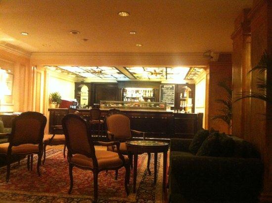 زا دوكستون هوتل: Lobby bar 