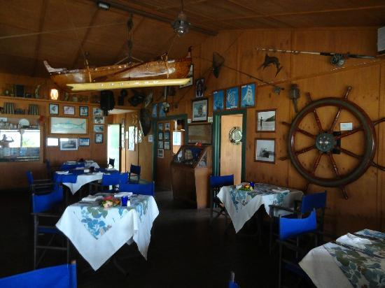 The Boat Shed Bar & Grill : Very atmospheric bar and grill