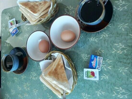 Hotel Seafront: Frühstück für Zwei .... etwas mau, aber der Kaffee war ok