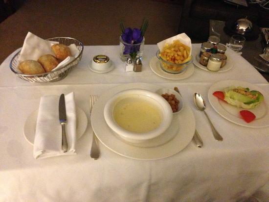 Hotel President Wilson: Delicious Room Service