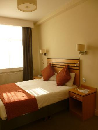 Riu Plaza The Gresham Dublin: Chambre single simple