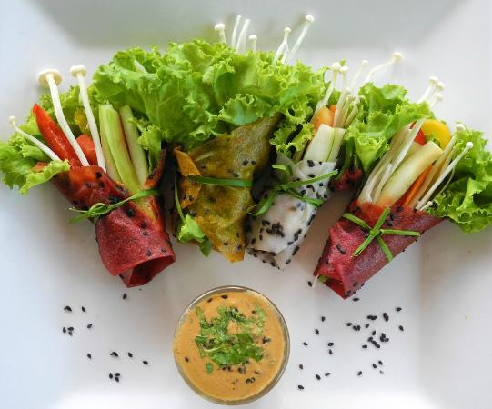 Phuket Cleanse: Raw spring Rolls