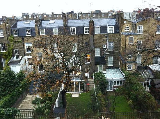 Presidential Apartments Kensington: Vista dall'appartamento 310 
