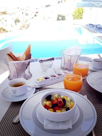 ‪‪Kirini Suites & Spa‬: breakfast
