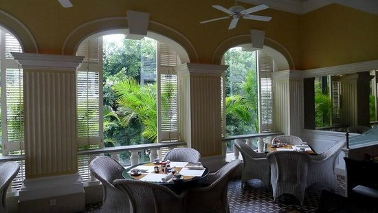 Grand Lapa Macau: Western dining area - verrandah seating