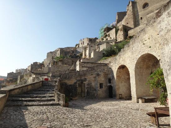 Sextantio Le Grotte della Civita: hotel reception