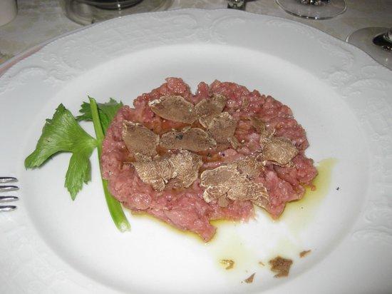 Leon d'Oro Secolare: battuta di fassona con tartufo