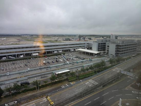 Sofitel London Gatwick: The View of LGW