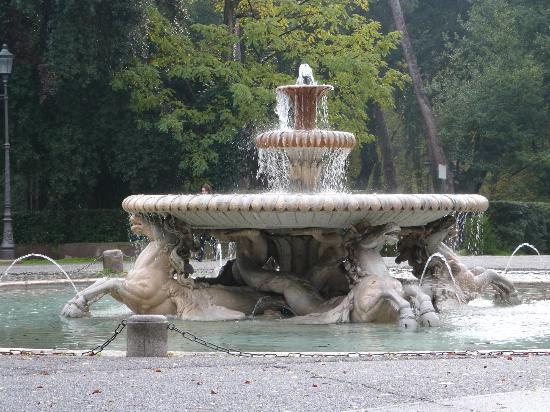Galerie Borghèse : fontaine avant le palais