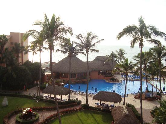 Torres Mazatlan Resort: View from balcony 5C