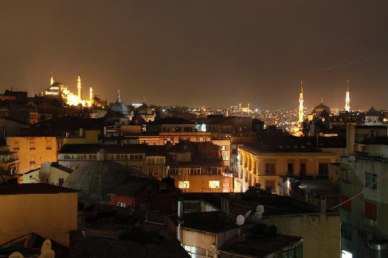 Neorion Hotel : Night view from roof terrace