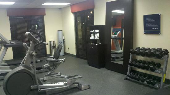 Hampton Inn Burlington: Workout Room