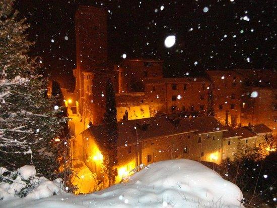 borgo antico di Bassano in Teverina con la neve di febbraio 2012