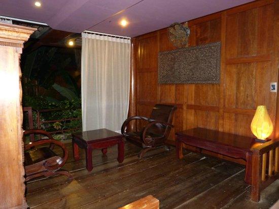Angkor Village Hotel: Terrasse de la chambre