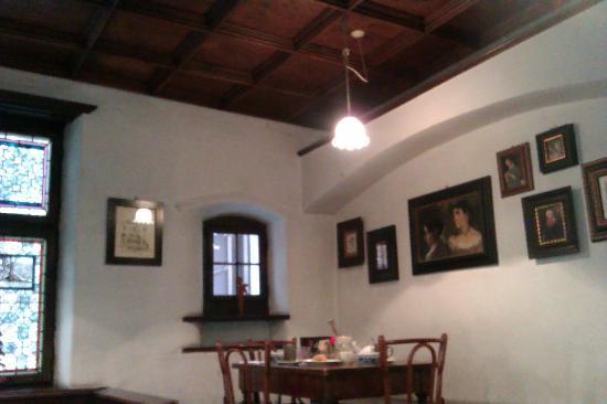 Cappello di Ferro Hotel: ..la vicina Ca' de Betzi, dove viene servita la colazione