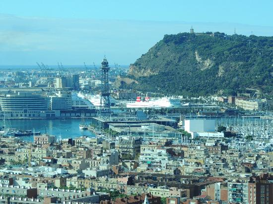 Hotel Arts Barcelona: View of Barcelaona from room (floor 23)