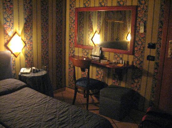 Lirico Hotel: Room 215
