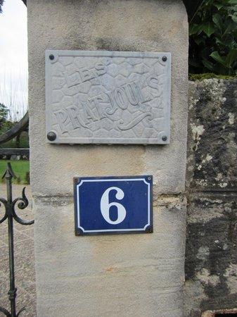 Chambres d'hotes Les Pratges : Number 6 west end of parking lot
