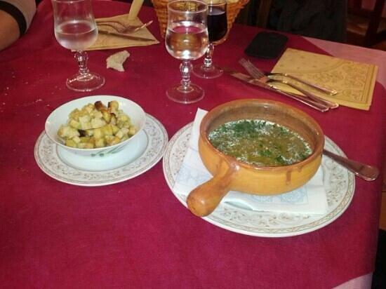 Santu Lussurgiu, Italia: zuppa di funghi stupenda