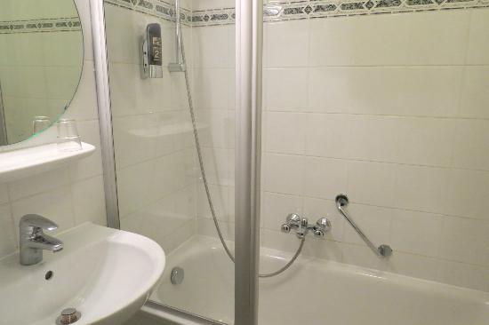 Novum Hotel Continental Frankfurt: Baño