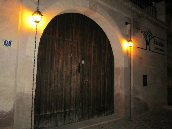 Karadut Cave Hotel: Entrance 
