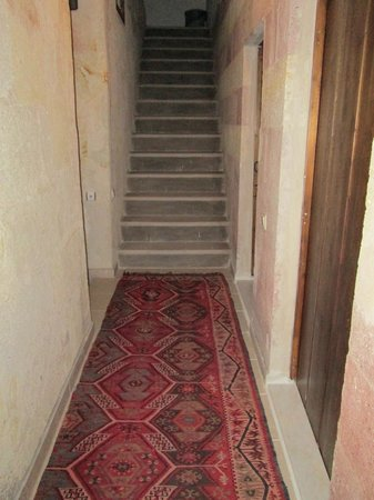 Karadut Cave Hotel: Stairs