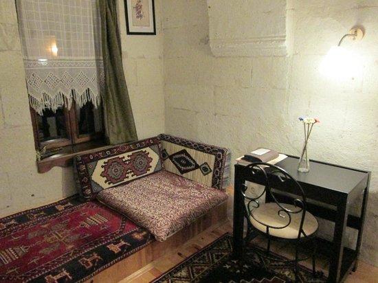 Karadut Cave Hotel: Sitting Area