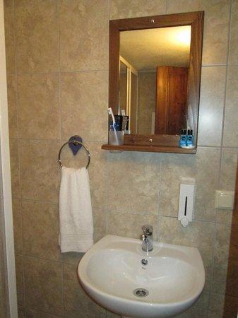 Karadut Cave Hotel: Sink