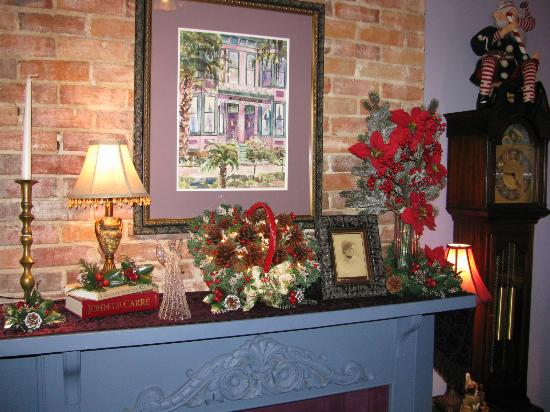 Park Avenue Manor: Parlor Mantle