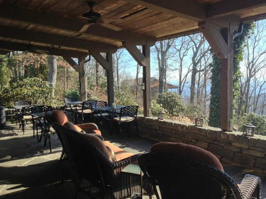 Gideon Ridge Inn: Enjoy a quiet afternoon on the porch