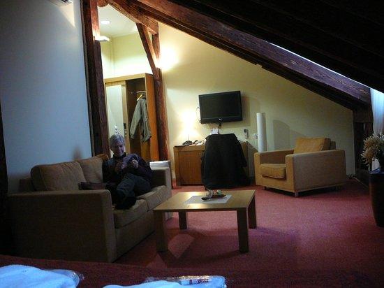 Hotel Bern: Noe av rom 303 sett i motsatt retning