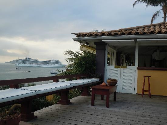 Vila d'este: Vista desde el deck de la piscina