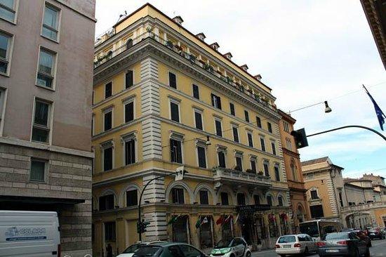 Pace Elvezia: The hotel