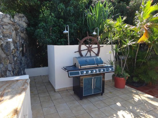 Club Fantastico : Outdoor Grill