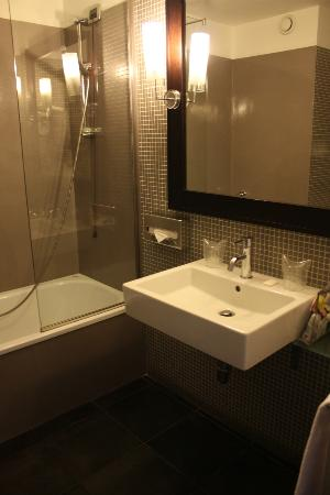 Mercure Palermo Centro: bagno 511