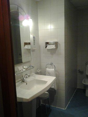 BEST WESTERN Hotel Artdeco: Bagno con idromassaggio