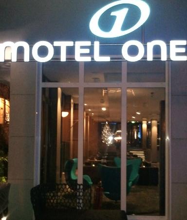 Motel One Saarbrucken: am Haupteingang