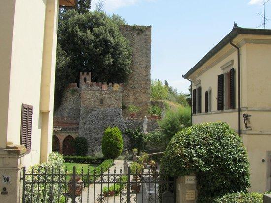 Fattoria Isola: Laterina, kasteel