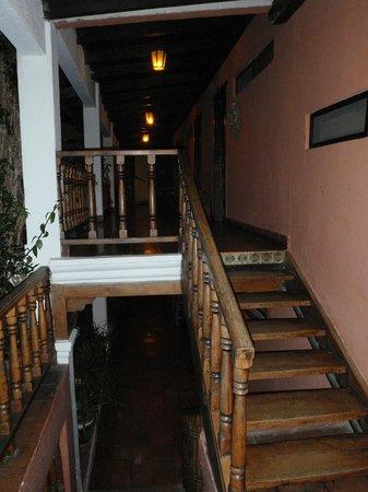 Hotel Atitlan: Corridoi albergo