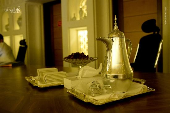 K108 Hotel: dates and tea