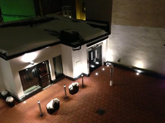 Fabian Hotel: 中庭