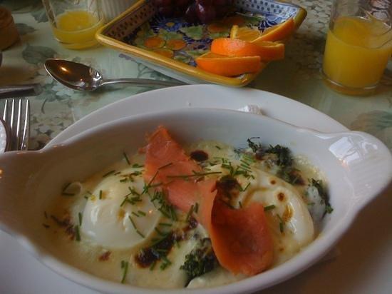 Acrylic Dreams: Representative breakfast fare